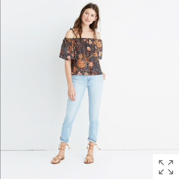 d7867c1dae085e NEW • Madewell • Cold Shoulder Silk Floral Top L
